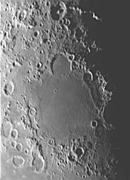 Close_up_view_of_the_Moon___Mare_Nectaris_.jpg